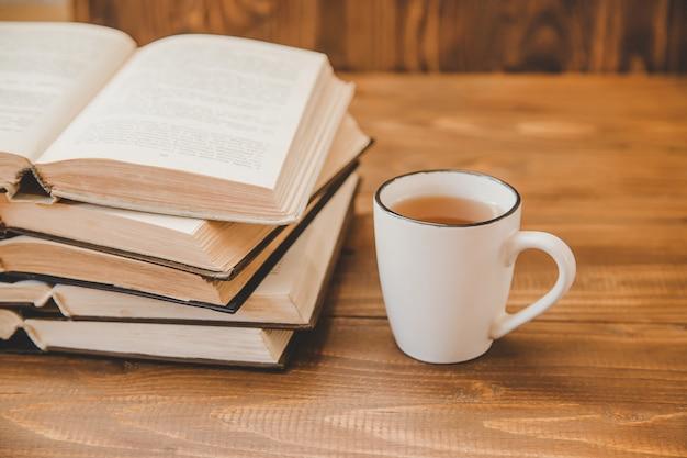 Dia mundial do livro. fundo do livro. foco seletivo.