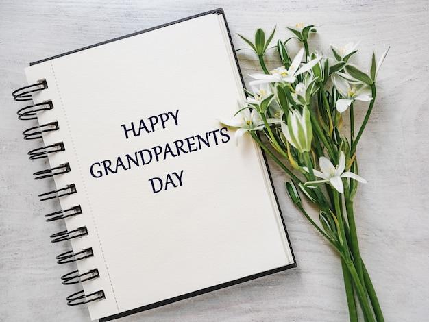 Dia nacional dos avós. lindo cartão. vista de cima, close-up
