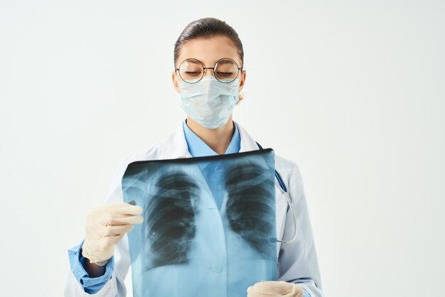 Diagnóstico radiologista paciente varredura de fundo isolado