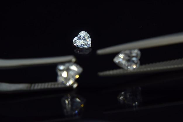 Diamante de coração caro este raro