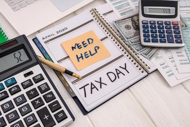 Diário aberto com 15 de abril - dia do imposto