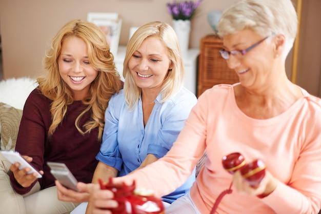 Diferenças entre as gerações em tecnologia de telefonia