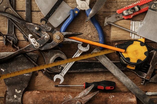 Diferentes ferramentas industriais