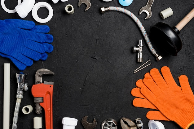 Diferentes instrumentos e equipamentos