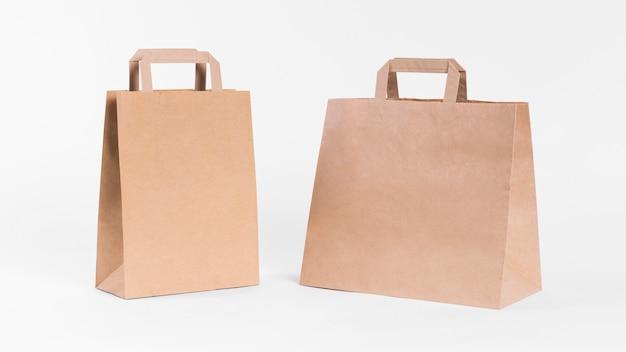 Diferentes sacolas de papel