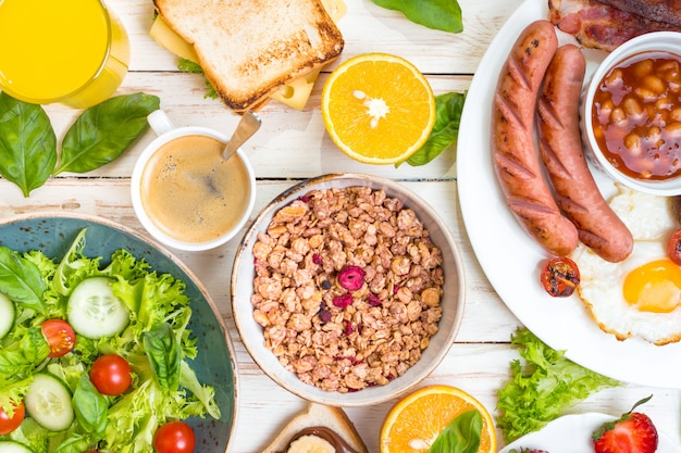 Diferentes tipos de café da manhã ou brunch