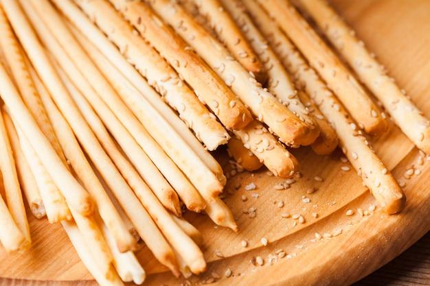 Diferentes tipos de grissini - tradicionais breadsticks italianos