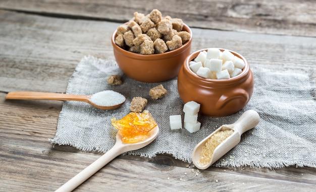 Diferentes tipos e formas de açúcar