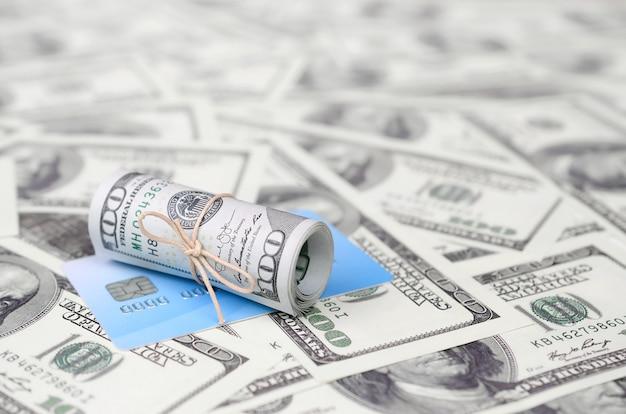 Dinheiro americano e banco virtual moderno on-line