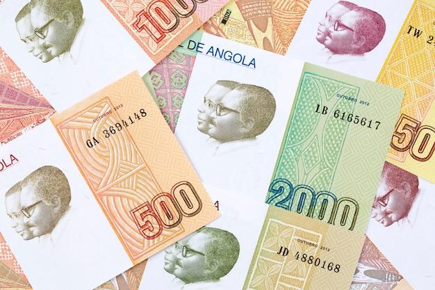 Dinheiro de angola, uma base de negócios