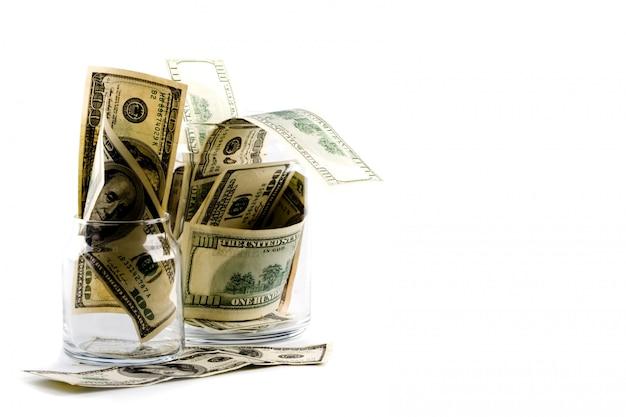 Dinheiro em potes de vidro