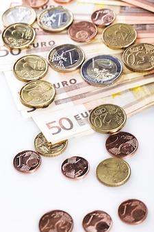 Dinheiro na mesa