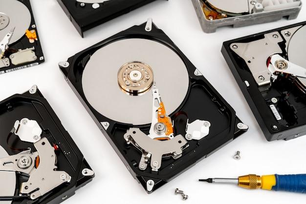 Disco rígido do computador. reparação de dispositivos eletrônicos. armazenamento de dados.