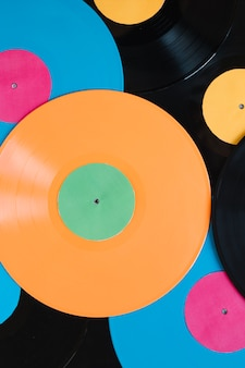 Discos de vinil colorido