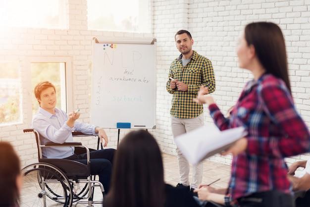 Discurso ao público treinamento de desenvolvimento pessoal