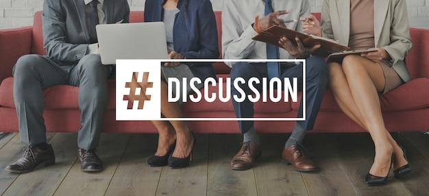 Discussão brainstorm business meeting briefing
