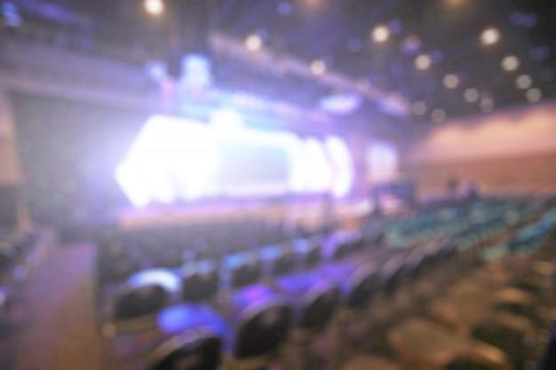 Disfocus do fundo salão de convenções de busines