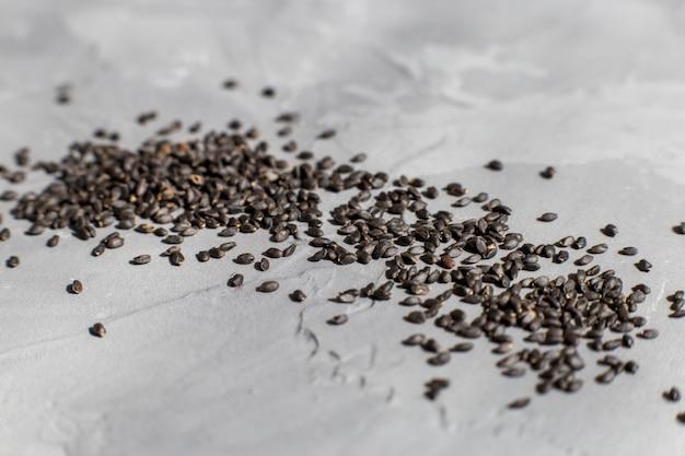 Dispersão de sementes de manjericão