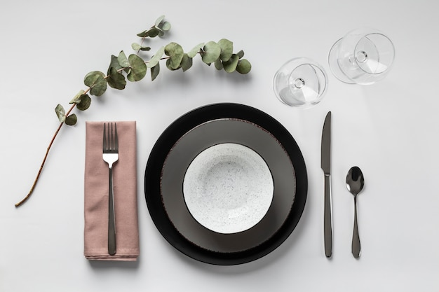 Disposição da mesa com planta acima da vista