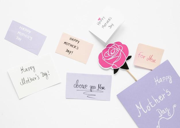 Disposição dos cartões do dia das mães vista superior