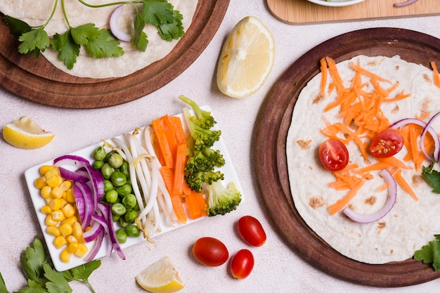 Disposição leiga de variedade de alimentos saudáveis