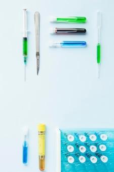 Disposição plana de líquidos químicos em tubos