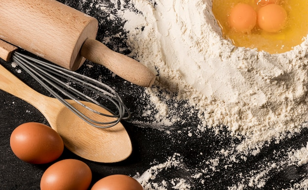 Disposição plana de rolo e ovos