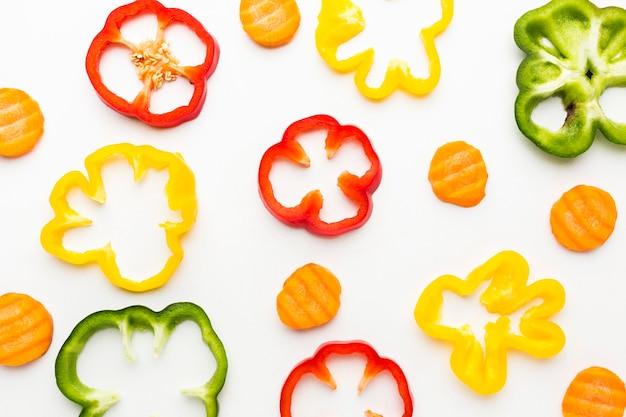Disposição plana e colorida de vegetais