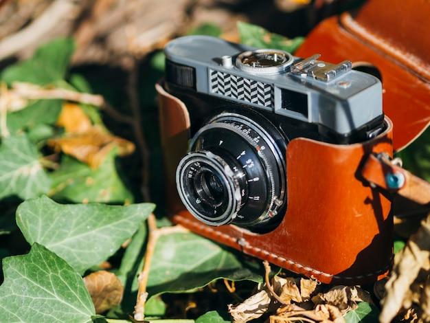 Dispositivo de câmera de ângulo alto na capa da carta