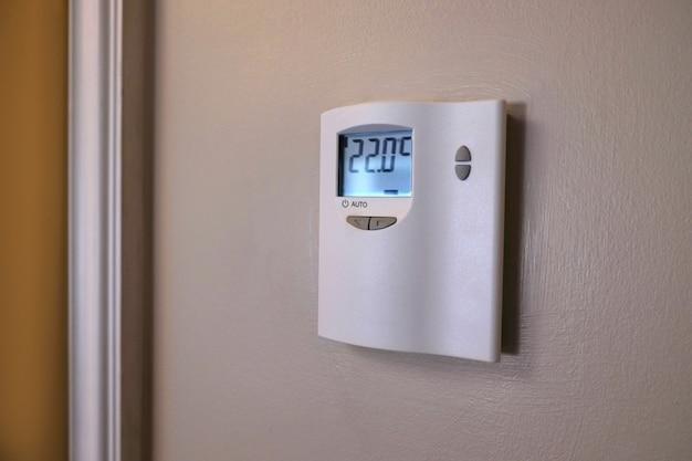 Dispositivo de sistema de controle de ar condicionado na parede interna