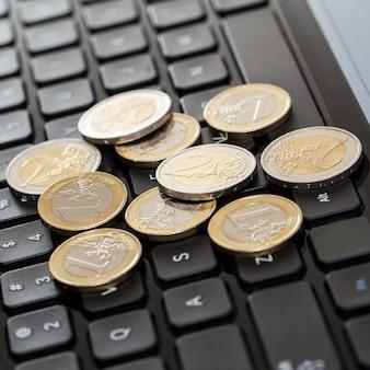 Dispositivo eletrônico e dinheiro