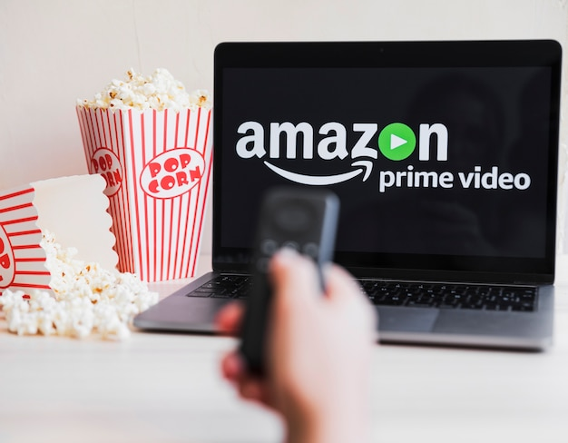 Dispositivo tecnológico com o aplicativo de vídeo principal da amazon