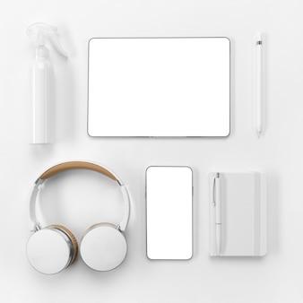 Dispositivos de vista superior e disposição do notebook