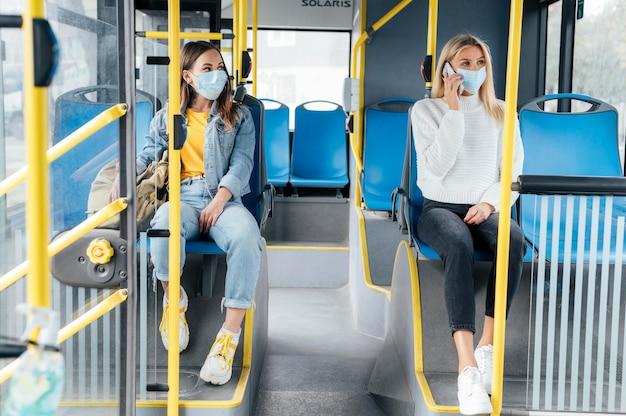 Distanciamento social em transporte público