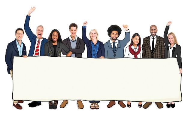 Diversas pessoas com um banner