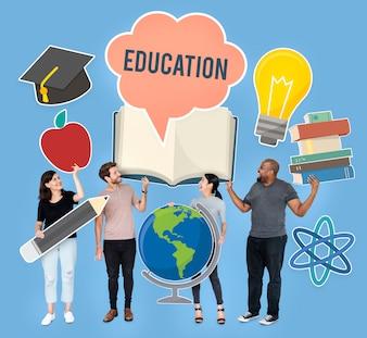 Diversas pessoas segurando ícones educacionais