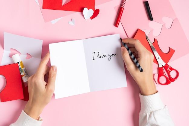 Diy cartão de dia dos namorados com o texto eu te amo