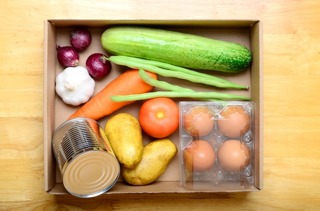 Doação de alimentos. Foto Premium