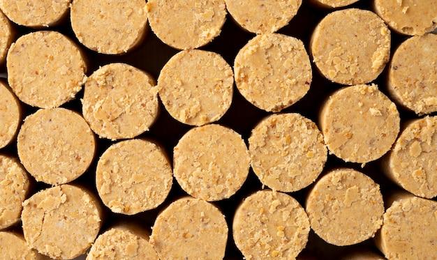 Doce amendoim brasileiro chamado fundo de pacoca. da celebração de junho