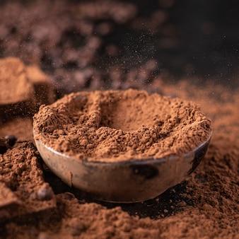 Doces de trufas de chocolate em cacau em pó manteiga de chocolate natural sobremesa doces refeição lanche