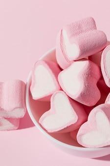 Doces deliciosos em forma de coração