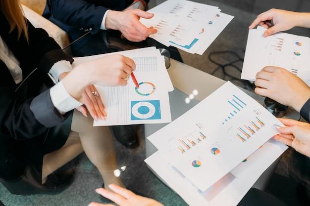 Documentação comercial. artigos com layout de gráficos