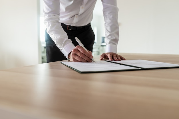Documento de assinatura do empresário