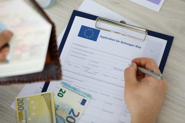 Documento de requerimento de inscrição para visto schengen.
