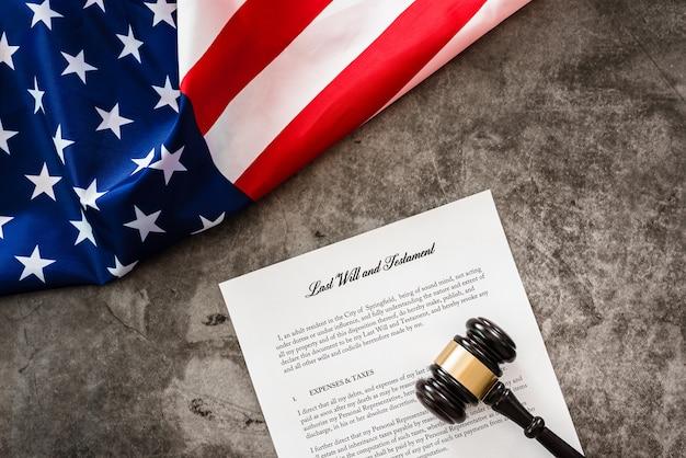 Documento de testamento e testamento.