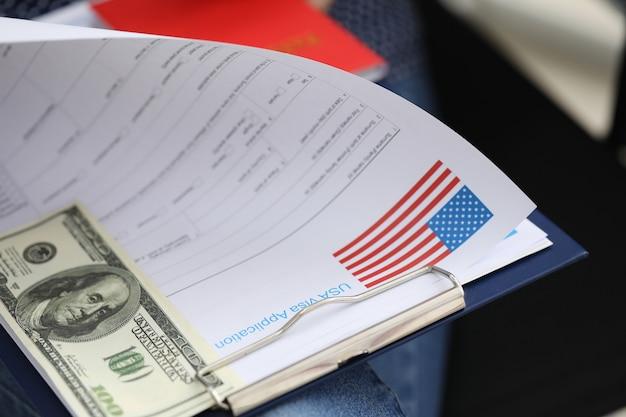 Documentos de pacote para obtenção de visto e dólar dos eua
