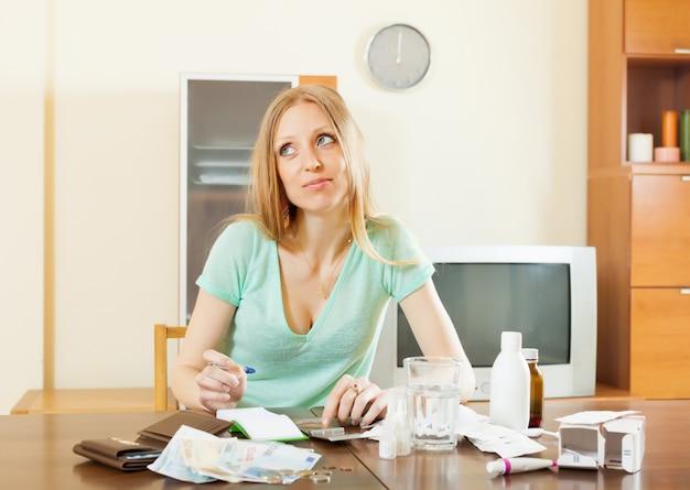 Doença mulher contando o custo do tratamento