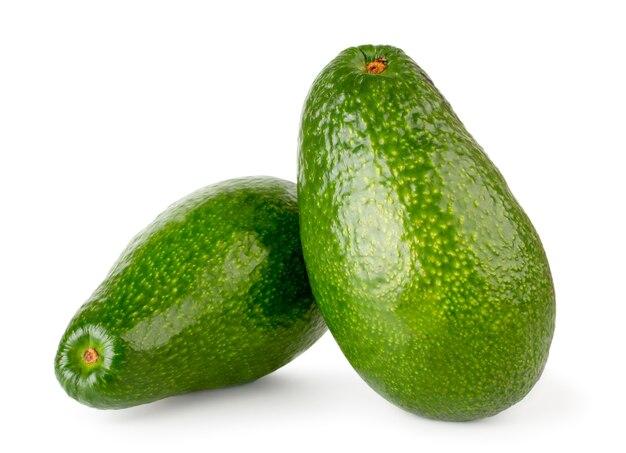 Dois abacates maduros isolados