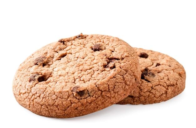 Dois biscoitos com close-up de chocolate em um fundo branco. isolado