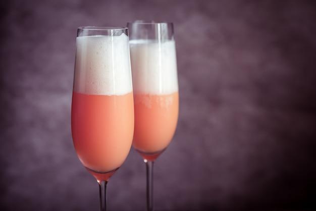 Dois cocktails de bellini